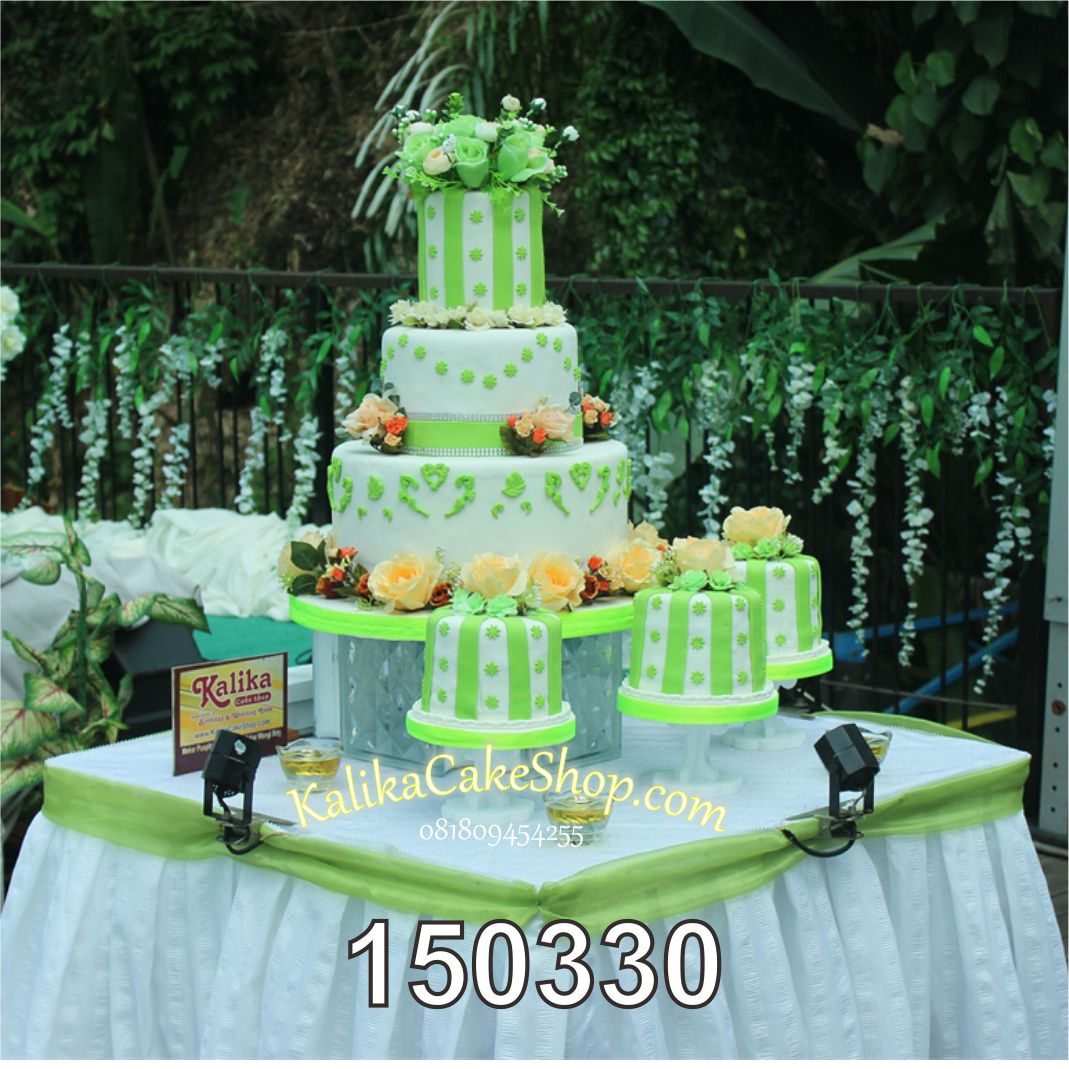 Wedding Cake Green