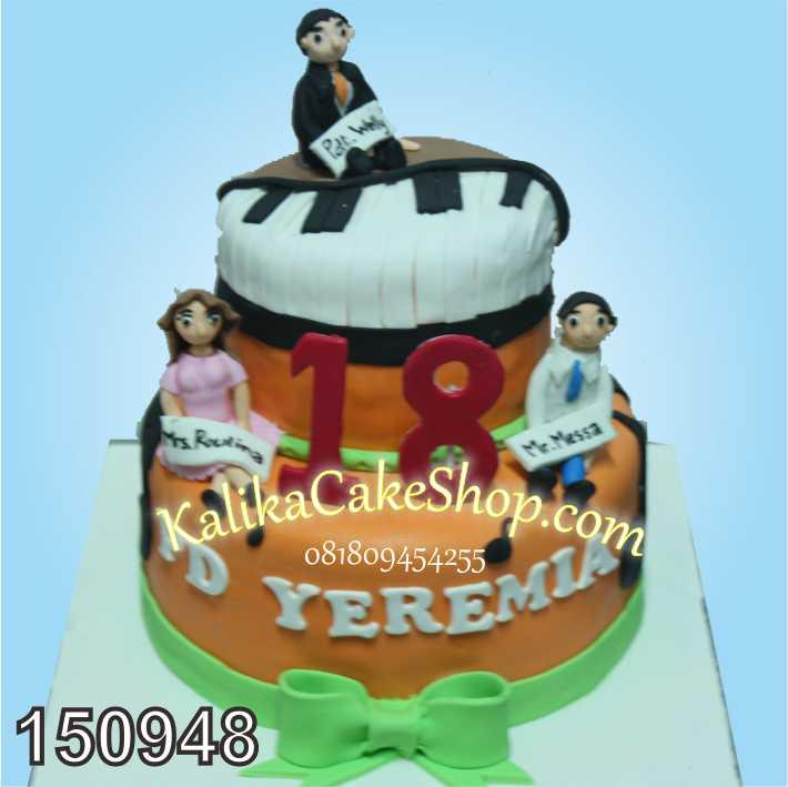 Kue Ulang Tahun Piano 2 susun