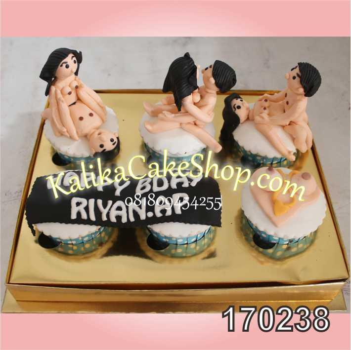 Cup cake naughty
