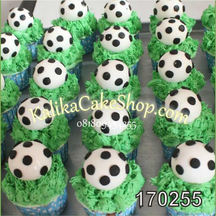 cup cake ulang tahun bola